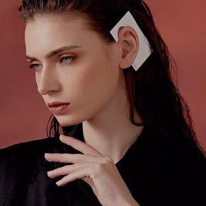 Brand new metal Ear cuff💕